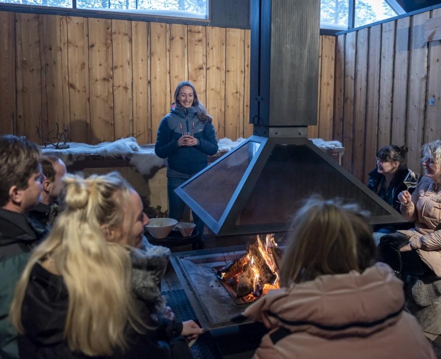 Fins Lapland deelnemers warmen op